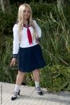 Minako, no uniforme de Colegial